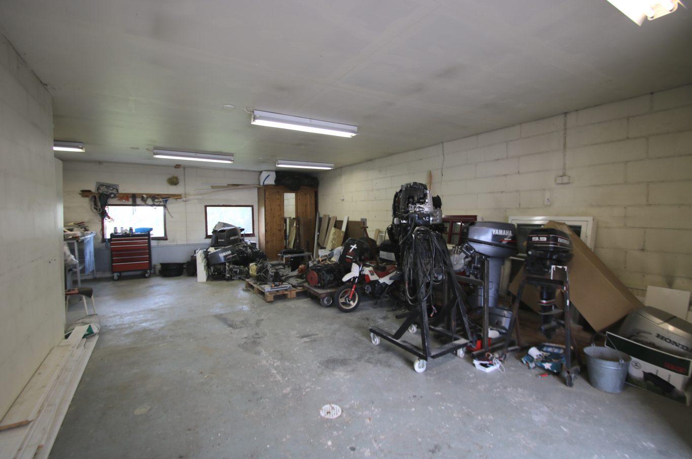 Bostadshus med stort garage vid Barfotagränd, Mariehamn