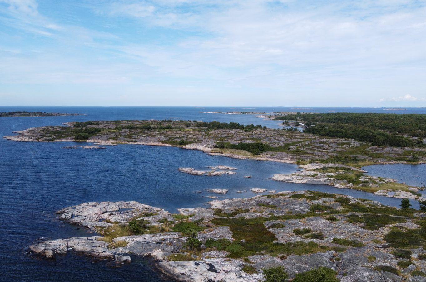 Strandområde på Porsskär samt angränsande Södra holmen, båda i Porsskär, Brändö