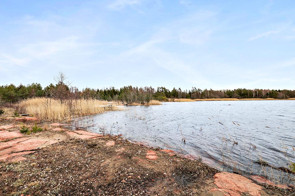 Trevlig åttkantig fritidsbostad i Eckerö