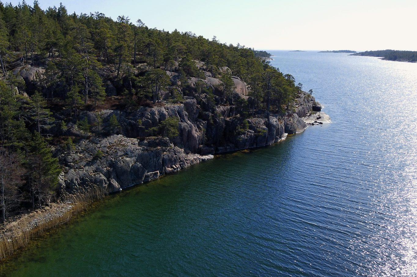 Vacker strandfastighet med västerläge i Björnhuvud, Eckerö