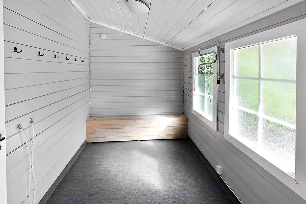 Fritidsbostad med ladugård i Mörby, Hammarland