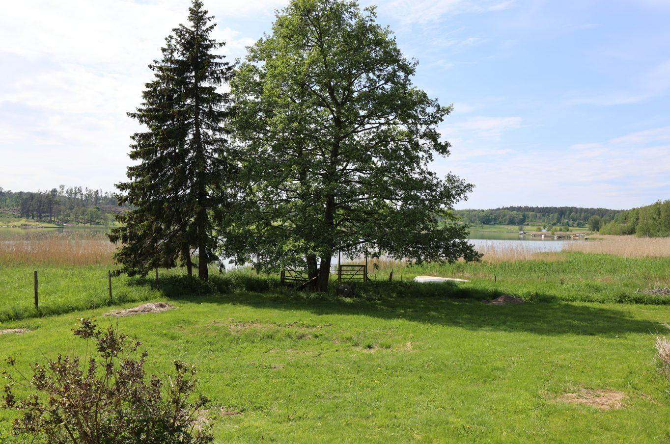 Bostadshus med strandtomt vid Slottssundet, Sund
